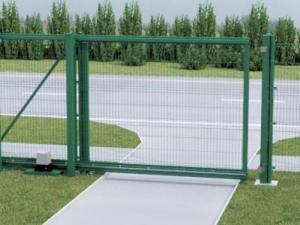 Откатные ворота со стальной рамой и с заполнением сварной сеткой