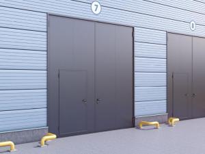 Распашные гаражные ворота с сэндвич-панелью